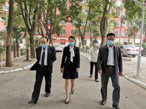 郑州市中原区教体局领导莅临西斯达城市森林学校专项督查开学后疫情防控及教育教学工作